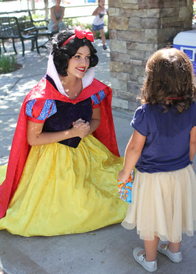 Snow White with Little Princess